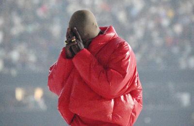 """Kanye West está organizando un segundo evento de escucha de """"Donda""""."""